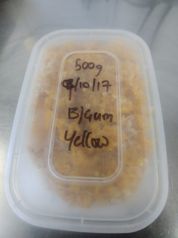 A frozen tub of 500g of Bubblegum Yellow chillies.